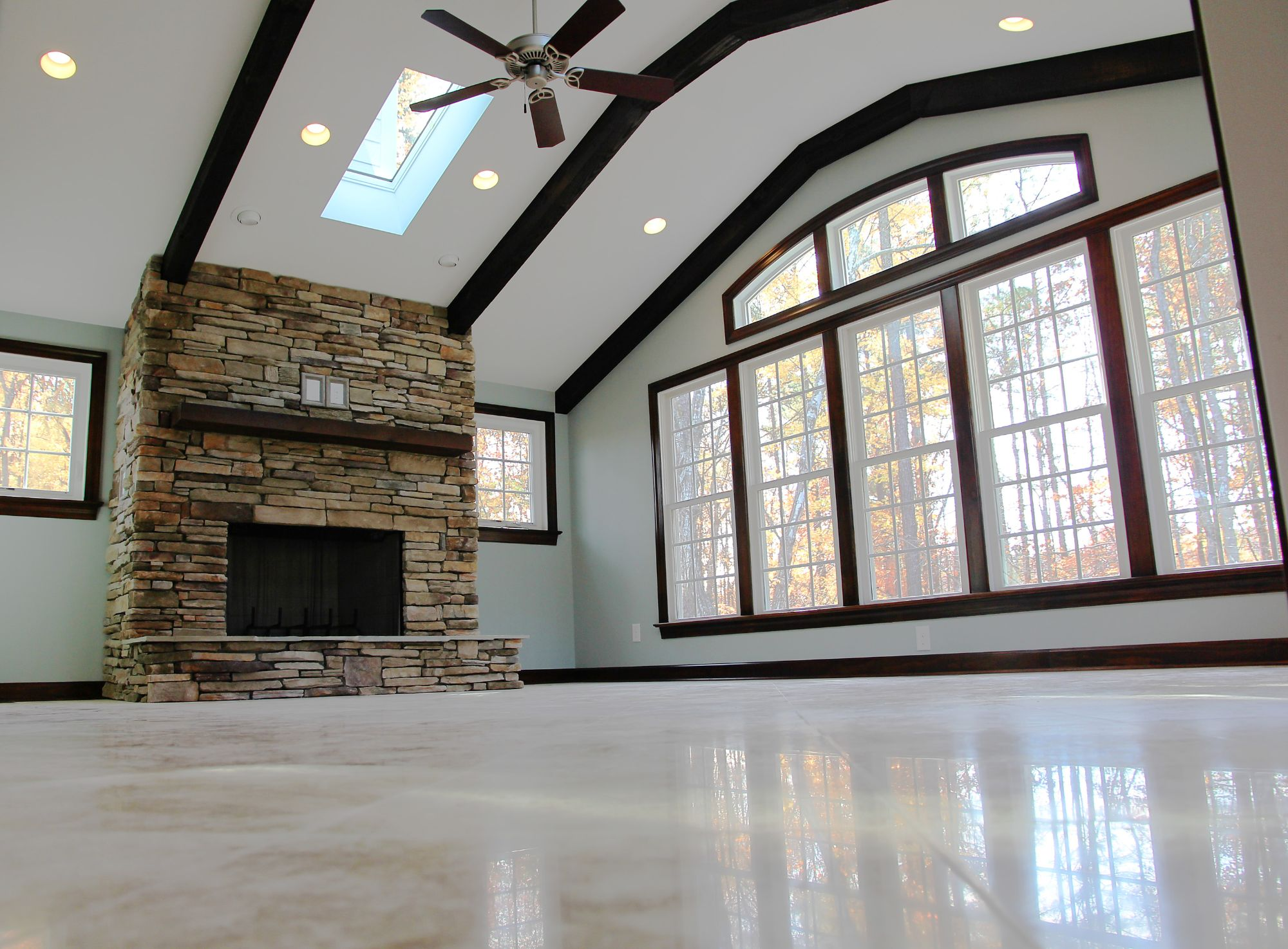 Custom Homes Construction Options and Features /static/media/1.0065bb46.jpg